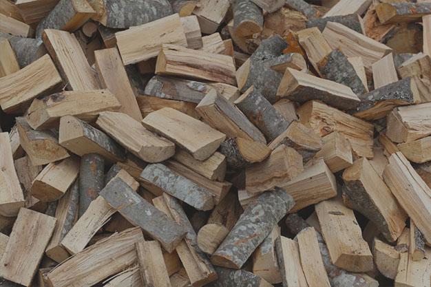Купити дрова твердих порід та паливні брикети з торфу на Волині